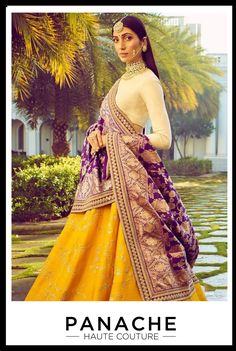 The latest collection of Bridal Lehenga designs online on Happyshappy! Find over 2000 Indian bridal lehengas and save your favourite once. Indian Bridal Wear, Indian Wedding Outfits, Indian Wear, Indian Outfits, Indian Engagement Outfit, Red Indian, Indian Style, Lehenga Designs, Latest Lengha Designs
