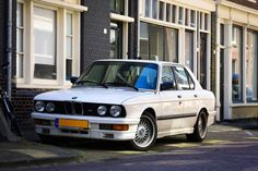 Some BMW E30 M5 lovers here? Found this beauty in Haarlem The Netherlands [5760 x 3840]