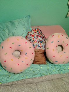 Donut pillow (to do)