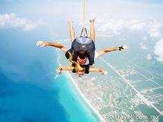 Los deportes extremos también tienen su lugar privilegiado en Playa. Las ofertas incluyen el paracaidismo y el buceo en cuevas y cenotes en varios puntos de la Riviera Maya.