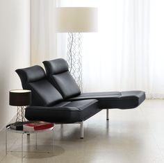 de Sede DS-450 wordt met twee handgrepen van een bank in een tweepersoons relax-fauteuil omgetoverd. Design: Thomas Althaus.