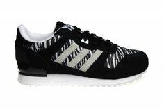 Adidas ZX 700 met zebraprint voor dames. Kleuren zwart, wit en licht grijs. Met extra witte veters. Beperkt leverbaar. Geen verzendkosten.