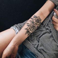 tatouage rose femme-
