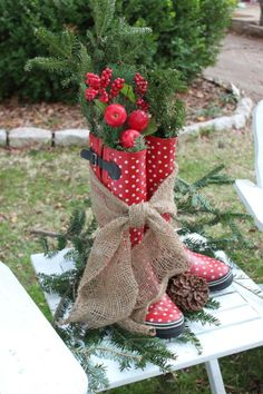 Christmassy decorated rubber boots_Yellow Rose of Friendship