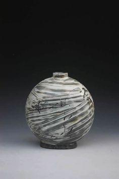 Kang Hyo Lee at the Mindy Solomon Gallery, St. Petersburg, FL - (727)502-0852