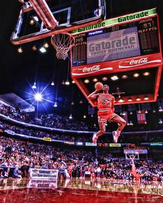 Michael Jordan going for style points during the 1988 NBA Slam Dunk Contest in Chicago. Michael Jordan Dunking, Michael Jordan Pictures, Michael Jordan Photos, Michael Jordan Basketball, Jordan 23, Basketball Funny, Basketball Legends, Basketball Posters, Basketball Design