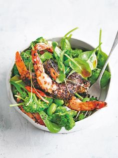 If you're going to kickstart the year with salad, make it full of flavour… like this nori prawn salad with edamame and sesame tamari dressing. So yum! Prawn Recipes, Pasta Salad Recipes, Seafood Recipes, Asian Recipes, Cooking Recipes, Healthy Recipes, Ethnic Recipes, Prawn Salad, Seafood Dishes