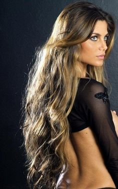 .beautiful long hair, with some texture