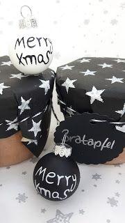 Geschenke aus der eigenen Küche: Bratapfelmarmelade mit Marzipan Hübsch verpackt in schwarz-silber