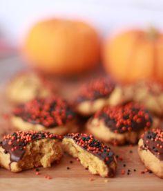 Cookies de abóbora para o Halloween (ou Dia das Bruxas!) Com Cobertura de Chocolate!