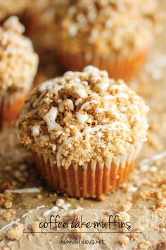 Coffee Cake Muffins - The classic coffee cake is transformed into a convenient muffin, loaded with a mile-high crumb topping! Also a link for Coffee cake with crumble topping and brown sugar glaze. Köstliche Desserts, Dessert Recipes, Cake Recipes, Brunch Recipes, Pudding Desserts, Brunch Ideas, Coffee Recipes, Drink Recipes, Breakfast Recipes