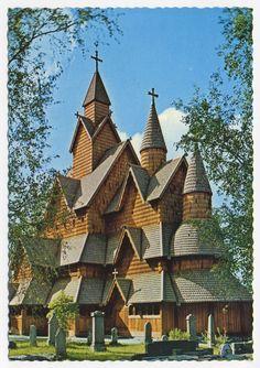 Heddal Stavkyrkje construite en 1250,  Telemark, Norvège, carte postale