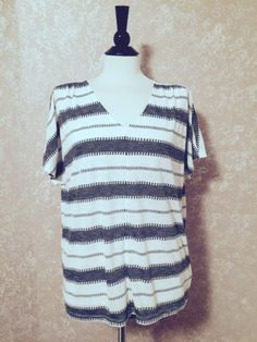 Old Navy Jacquard V-Neck Top Short Sleeve White Stripe Womens Large L #OldNavy #Tunic #Casual