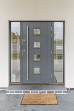 Home Inspiration Galerie Scandia Hus Fachwerkhäuser Grey Front Doors, Front Door Steps, Front Doors With Windows, Porch Doors, Modern Front Door, House Front Door, House With Porch, House Entrance, Grey Composite Front Door