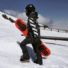 Indyslopestyle Platoon 8K ALL WINTER Tech Snowboard Hood. Designed in New Zealand by riders for riders.💧8K Waterproof, 🌬100% Windproof, 🌀Blizzard Proof, ❄ POW Proof, 🔥 Fleece Internal, 📱Media & Valuables Secure Pockets #realtechhoodies Express Shipping Worldwide. Snowboard Hoodies, Snowboarding, Indie, Tech, Pockets, Superhero, Winter, Snow Board, Tecnologia