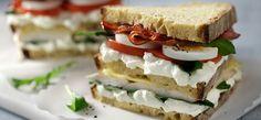 Philadelphia Club sandwich με ζυμωτό ψωμί και Philadelphia Light