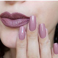 Matching nails and makeup! - Matching nails and makeup! Matching nails and makeup! Elegant Nails, Classy Nails, Stylish Nails, Trendy Nails, Cute Nails, Pink Acrylic Nails, Acrylic Nail Designs, Pink Nails, Gel Nails