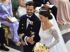 Endlich Mann und Frau: Prinz Carl Philip hat seiner Braut Sofia Hellqvist das Ja-Wort gegeben.