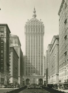 1933 - New York Central Building (The Helmsley Building) New York Architecture, Vintage Architecture, Old Pictures, Old Photos, Andy Warhol, Photo New York, New York City Buildings, Central Building, A New York Minute