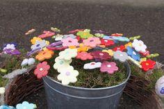 http://de.dawanda.com/product/96442427-keramikblumen-ab-350