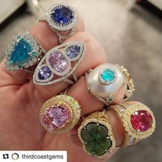LOVE catching up with old friends!!!!! So nice to see my darling @thirdcoastgems ❤️❤️ #dropdeadgorgeous  #ericacourtney #showmeyourrings #jewelrystateofmind  #lovegold #luxury #luxurybyjck #jewelry #jewelrydesign #jewels #diamond #diamonds #custom #love #stunning #beautiful #color #finejewelry #highendjewels #ringoftheday #dreamring #losangeles #gemstones #blingbling #wow #diamondjewelry #instajewels #diamondsareagirlsbestfriends #wishlist #sparkle