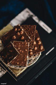 Hot chocolate with banana - Clean Eating Snacks Homemade Chocolate Bars, Coconut Hot Chocolate, Love Chocolate, Chocolate Brownies, Chocolate Lovers, Chocolate Recipes, Chocolate Chocolate, Chocolate Treats, Chocolates