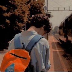 Eddie Kaspbrak leaving for college Aesthetic Boy, Character Aesthetic, Storyboard, Timothy Green, Ex Machina, Foto Pose, Oui Oui, Tom Holland, Photos