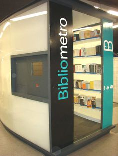 #Bibliometro en #Madrid Madrid subway #library