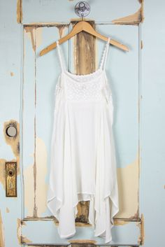 Daisy Lace Crinkle Hanky Hem Cami Dress - White