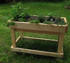 Table Garden Design: How To Build Table Garden Boxes Diy Garden, Garden Boxes, Garden Table, Garden Projects, Garden Plants, Garden Landscaping, Landscaping Rocks, Garden Guide, Garden Ideas