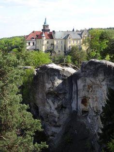 Szlak żółty do Hrubej Skaly. Źródło: goryiludzie.pl