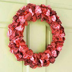 bow wreath | Hullabaloo Home: Christmas Decor: Wreath Edition