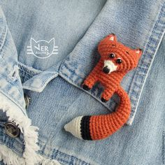 T Palacio's 975 media content and analytics - AmigurumiHouse Crochet Fox, Crochet Brooch, Crochet Animals, Crochet Patterns Amigurumi, Crochet Dolls, Sleeping Fox, Fox Pattern, Crochet Videos, Crochet Basics