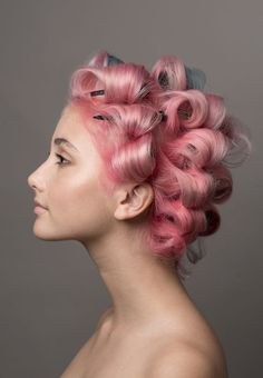 Picture of Amanda Arcuri Messy Hairstyles, Pretty Hairstyles, Candy Hair, Hair Addiction, Pin Curls, Hair Reference, Face Photo, Dye My Hair, Pink Hair