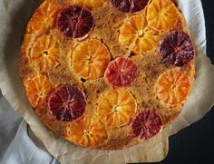 Delicious fluffy and at the same time moist carrot cake with red oranges. (In Polish) Moist Carrot Cakes, Pepperoni, Carrots, Berries, Mango, Dessert Recipes, Food And Drink, Cooking Recipes, Pudding
