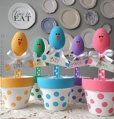 clay pots and plastic spoons...baby showers, little potted plants, wedding
