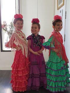 Bridesmaid Dresses, Wedding Dresses, Sari, Flamenco Dresses, Elegant, Dress Ideas, Dancers, Outfits, Travel
