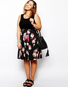 Image 4 ofASOS CURVE Skater Dress With Floral Skirt And Rib Top - i wannnnnt thisssss
