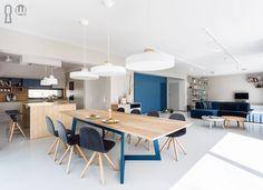 Modern, energetic dinning room  #dinningtable #moden #moderninterior #interiordesign #woodentable