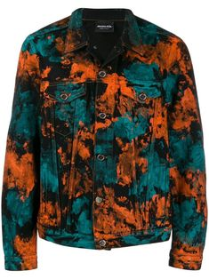 Black cotton paint printed denim jacket from Mauna Kea featuring long sleeves, button cuffs, a classic collar, a front button fastening and flap pockets. Denim Jacket Men, Sweater Jacket, Men Shorts, Men's Denim, Denim Fashion, Look Fashion, Fashion Design, Custom Denim Jackets, Bleach Tie Dye