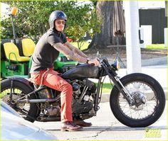 David Beckham: Biking in Beverly Hills