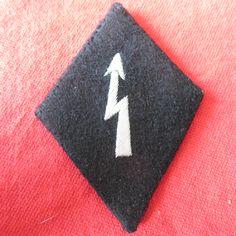 WAFFEN SS SLEEVE DIAMOND SIGNALS OFFICER Aluminium thread 80mm * 58mm Ref 14-68a more details @ www.ww2militaria.net