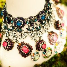 colored sparkly necklace <3