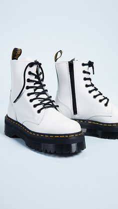 White Dr Martens, Dr. Martens, Jordan Shoes, Goth Boots, Ugg Boots, Nike Zoom, Lolita Shoes, Aesthetic Shoes, Style Retro