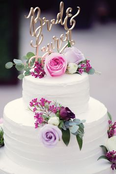 Cake by Marv's Bakery, Brighton. As seen in Metro Detroit Weddings, Summer-Fall 2016 issue.