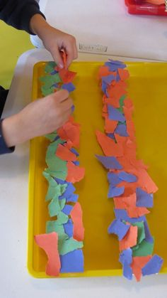 By using these torn paper notes, we can create colourful collages and see how light affects the colours and textures of the notes when they are hung.