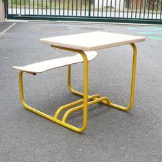 Cool Diy, Skateboard Decor, Rustic Irons, School Desks, Bench Designs, Iron Furniture, School Furniture, Skateboards, Vanity Bench
