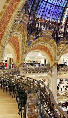 Starbucks en Galeries Lafayette, Paris un lujo de galerias comercial