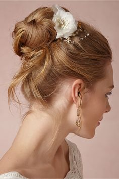 Love the hair and the comb.  Rhododendron Comb in Bride Veils & Headpieces at BHLDN