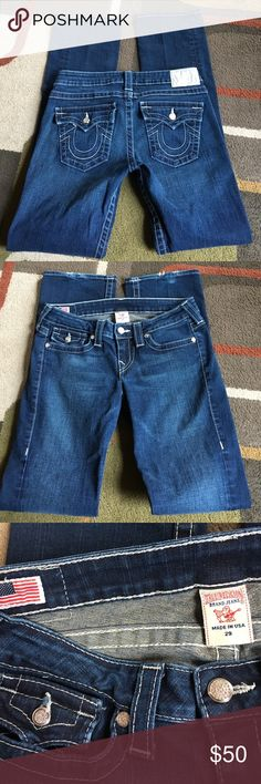 "True Religion jeans Style is Billy❄️ material is 98% cotton 2% spandex❄️lying flat waist measures 15.5"" ❄️rise is 8""❄️inseam is 33""❄️jeans have silver bling hardware❄️light wear at back bottoms of legs True Religion Jeans Straight Leg"